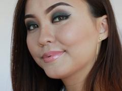 Азиатский макияж. Модель накрашена по техника визажиста Samer Khousami